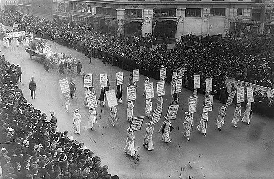 Photo of 1913 Women's Suffrage March