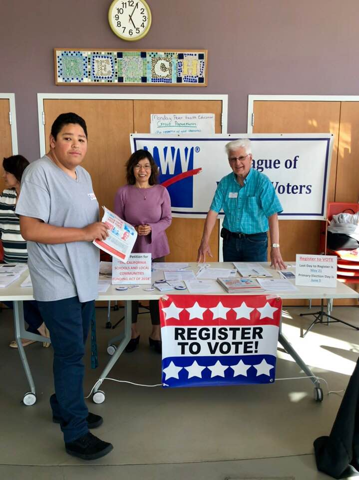 Voter Registration at the REACH Center