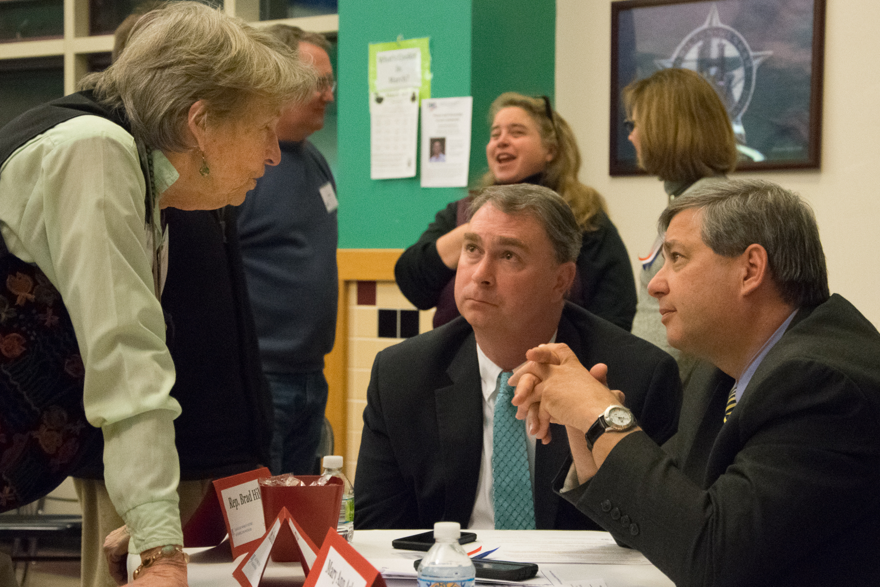 A member of LWV-HW speaks with local legislators
