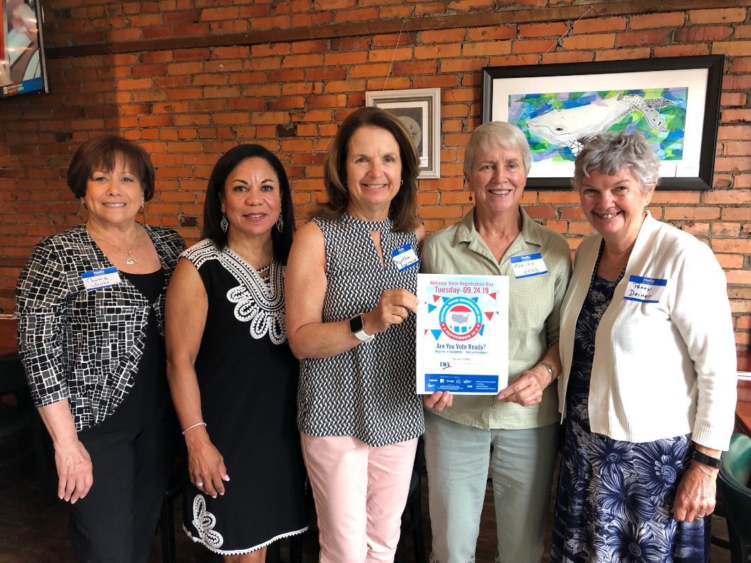 LWVSC volunteers will register voters at DTCC on 9/24