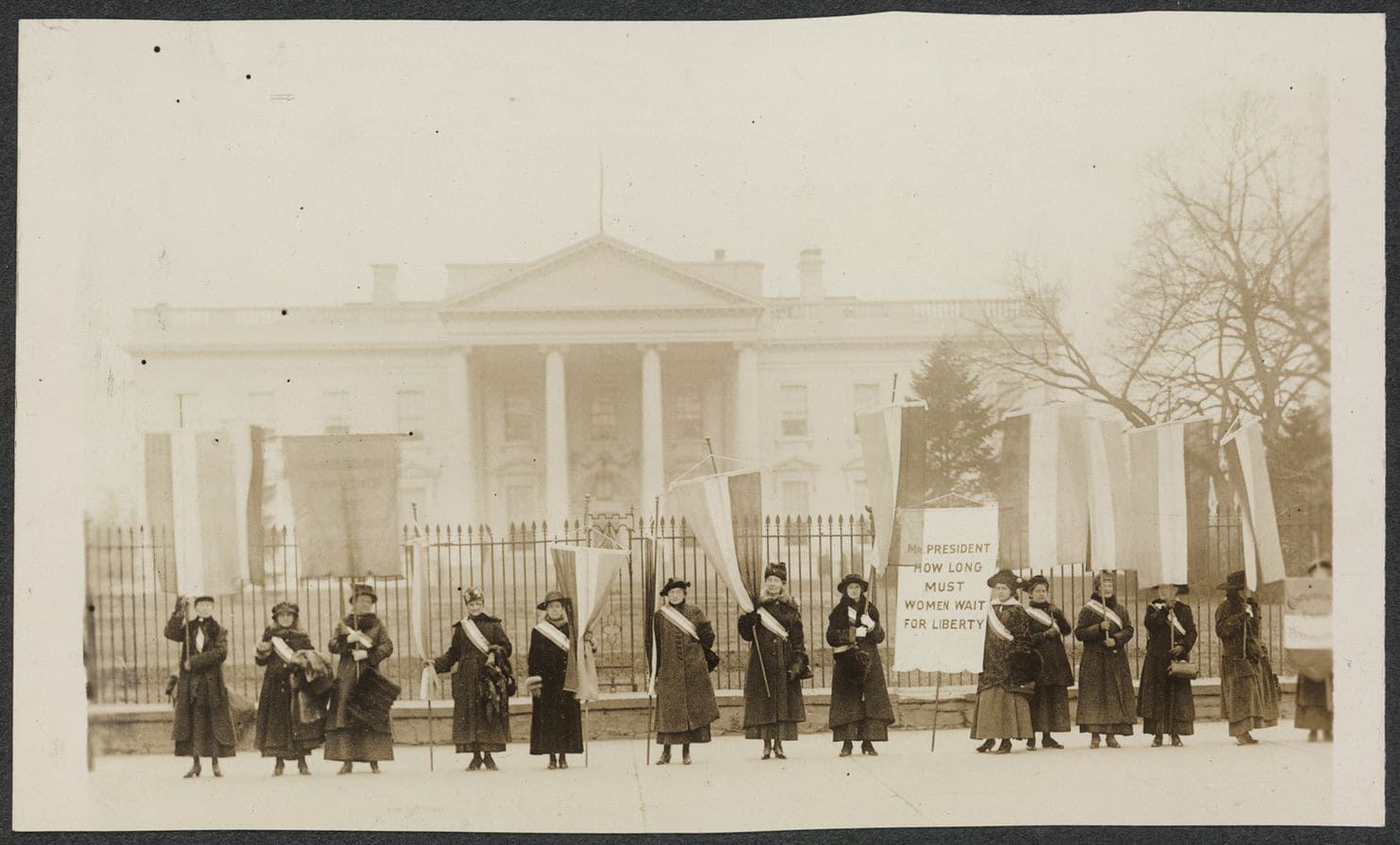 Women Picket the White House in 1917