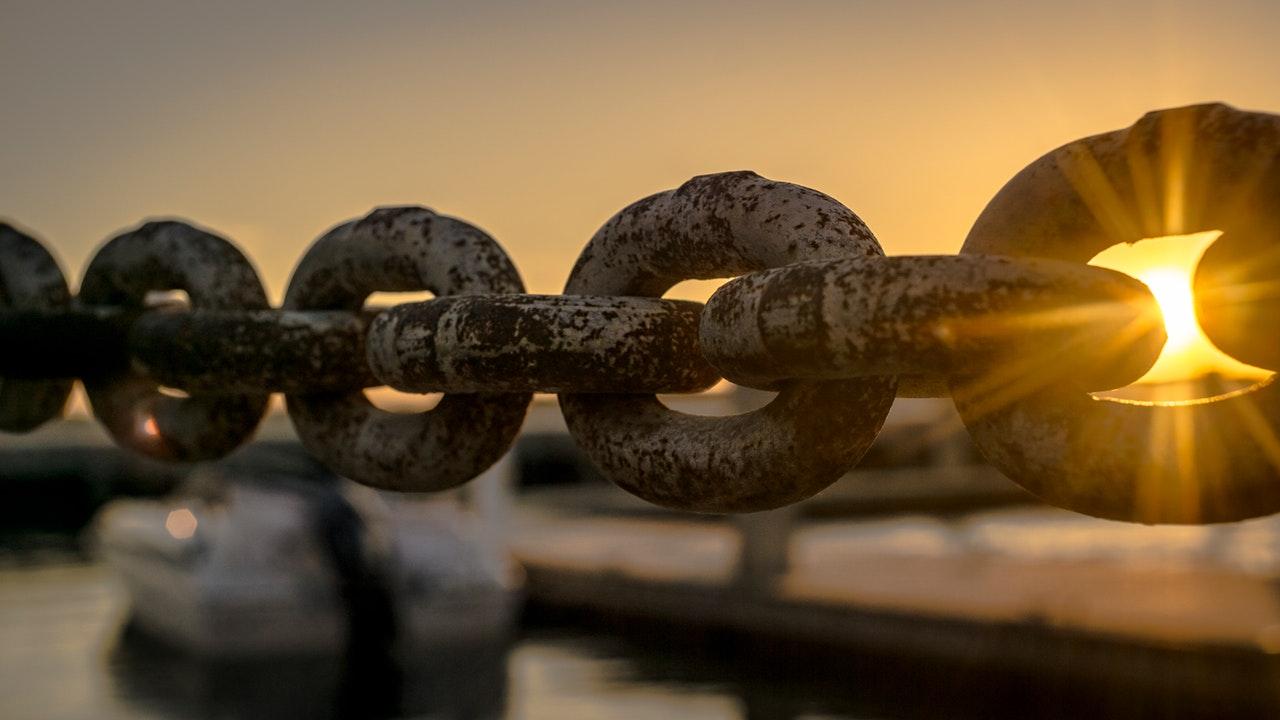 chain of metal links
