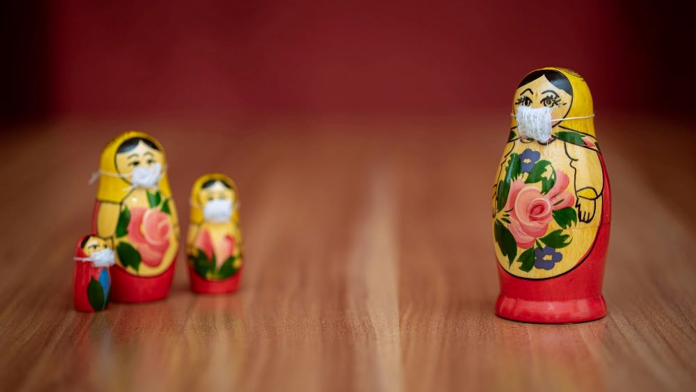 nesting dolls with masks social distancing