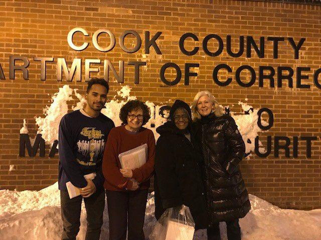LWV Chicago members register voters at Cook County Jail