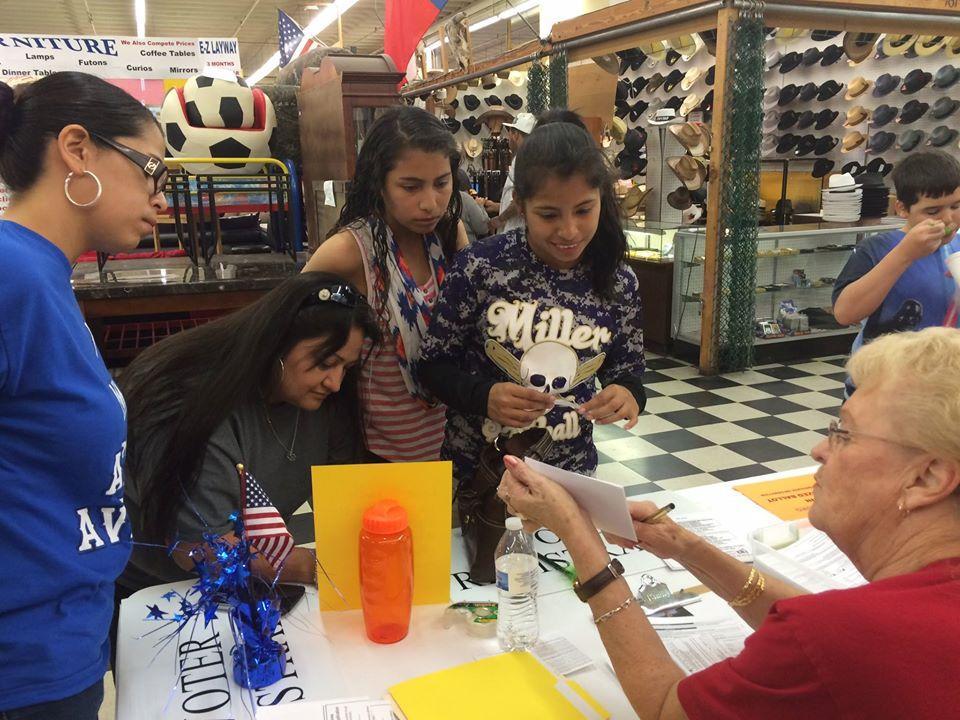 Corpus Christi LWV registering voters