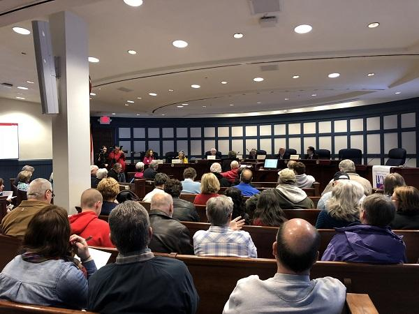 photo of audience for Clean Drinking Water forum