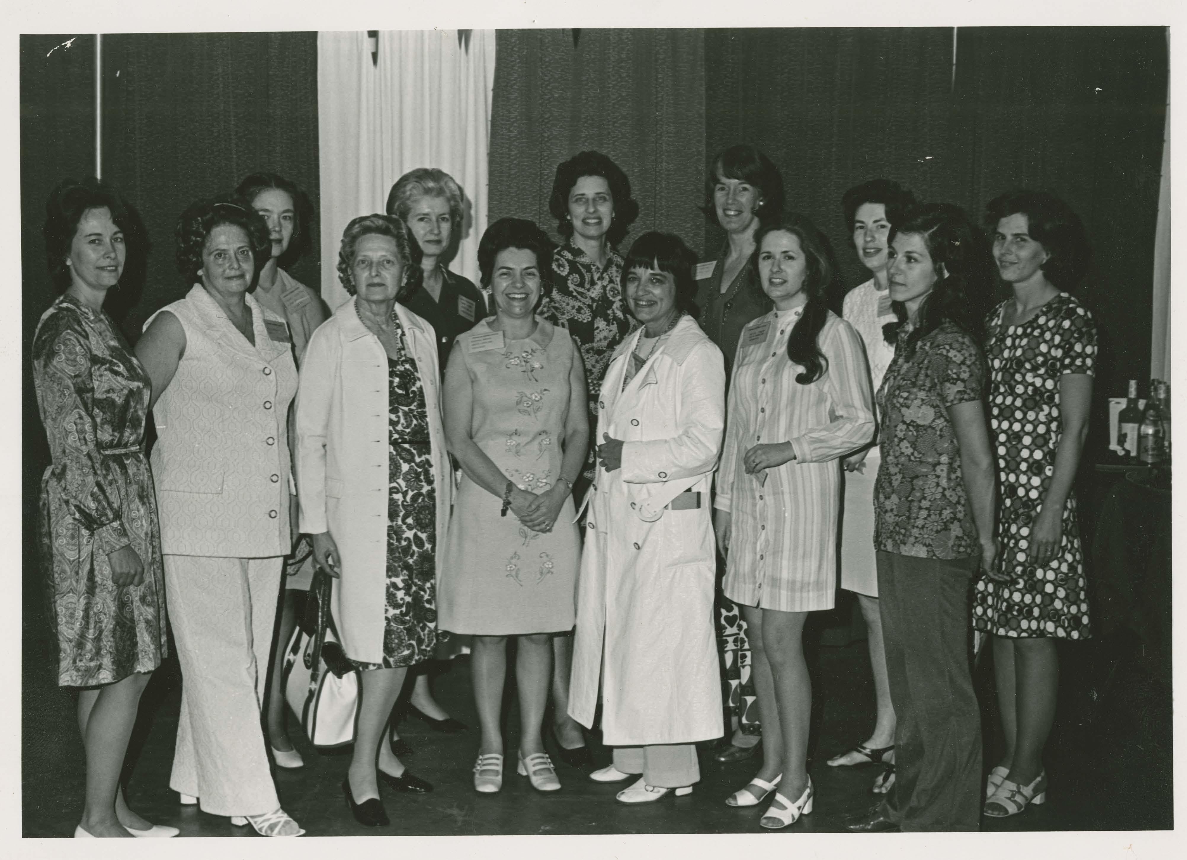 League members attending 1972 national convention.  Three presidents are in this photo: Barbara Moxon (6th from left), Keller Baumgardner (7th from left), and Joy Sovde (14th from left)