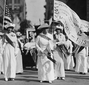 1920s Suffragettes picketing