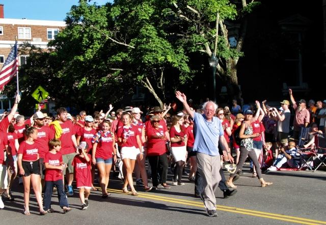 photo by Jeannette Wuff parade Sen. Bernie Sanders on parade route