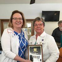 Geri Pawelski (r), 2017 Maud Wood Park Award Recipient
