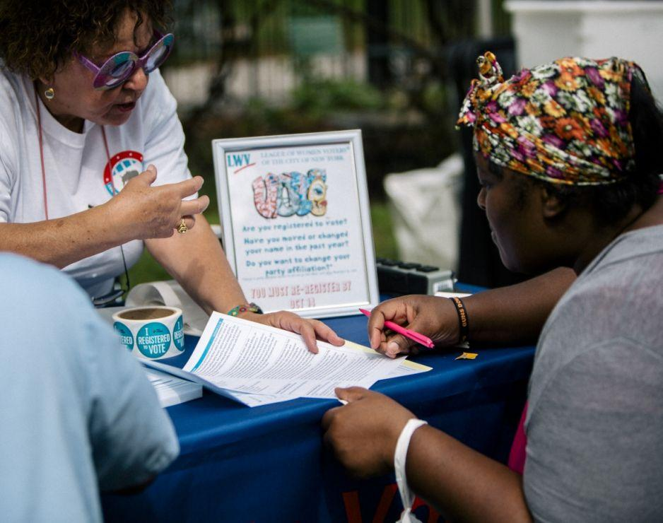 Registering Voters - LWV City of New York