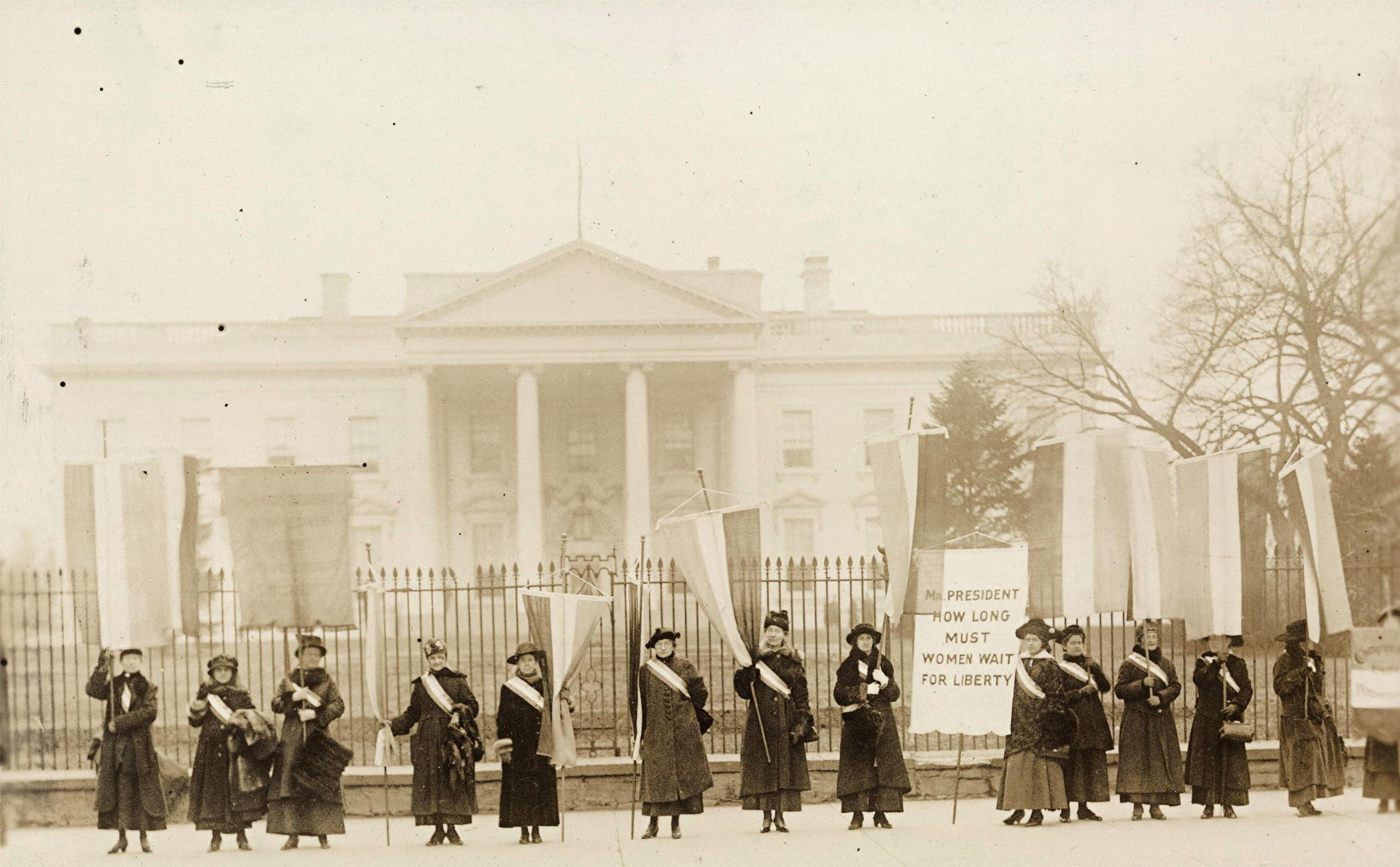 Protest in front of White House for Women's Suffrage