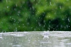 rain-splashing-on-a-glass-table-during-a-summer-thunderstorm-copy-space-background-soothing-fresh_t20_1b1k69.jpg