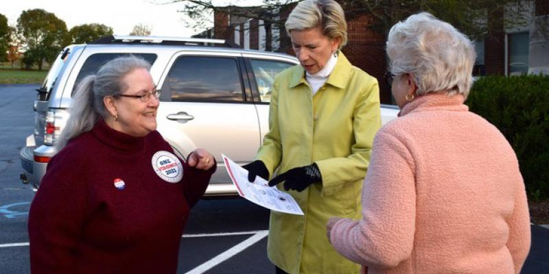 explaining nonpartisan redistricting to a voter
