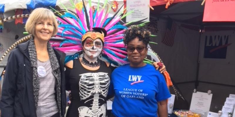 LWVO registers voters at Dia de los Muertos 2017