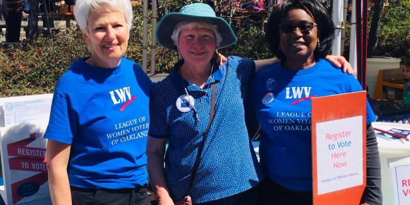 LWVO Registers Voters at ACLU Event