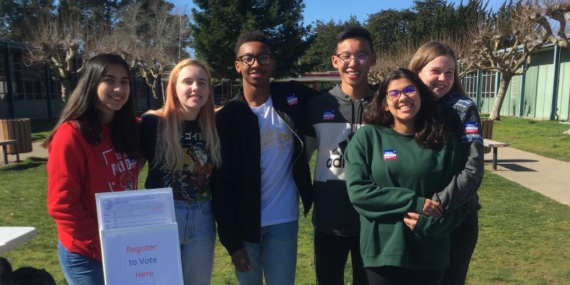 Skyline High School Students Register Voters