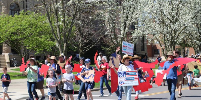 Issue 1 marchers at the Big Parade in Oberlin